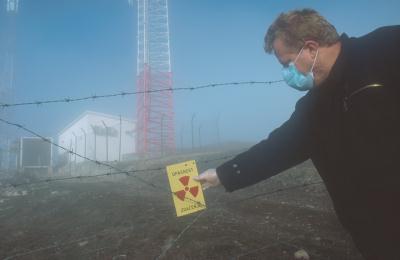 セルビア南部の劣化ウラン弾で攻撃されたテレビ中継塔。セルビアは空爆当初から劣化ウラン弾の危険性を